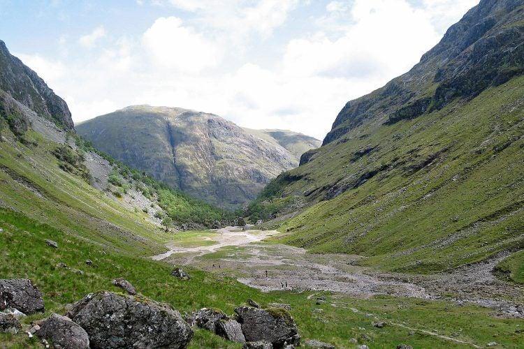 Beautiful Aonach Eagach (Credit: Wikipedia Commons)