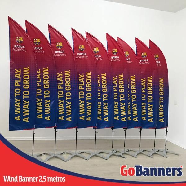 wind banner 2,5 metros Barça Academy