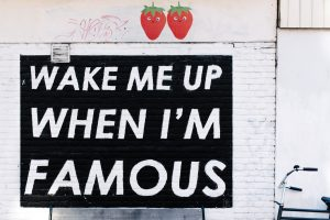 SEO Wake me up when I am famous by by Alice Donovan Rouse CC0 PD from Unsplash