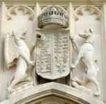 Detalle el Dragón y el Galgo Universidad de Cambridge Teocracia de Ingleterra