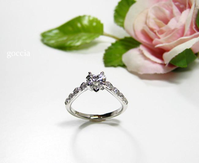 ハートシェイプダイヤ・婚約指輪