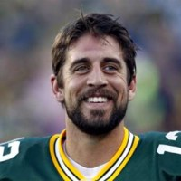 Nfl's Player Aaron Rodgers In A Happy Relationship