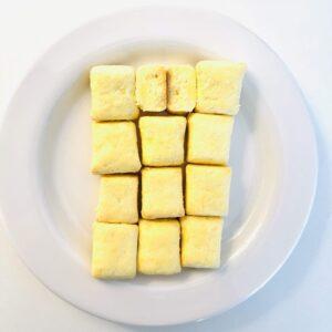 バター焼いちゃったをお皿に並べた