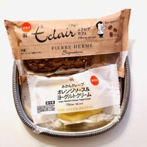 みかんクレープ オレンジソース&ヨーグルトクリームと ピエール・エルメシグネチャー エクレア カフェ