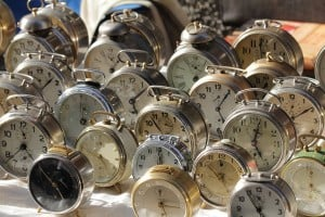 Trento-Mercatino_dei_Gaudenti-alarm_clocks