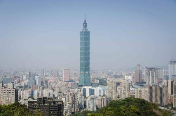 Taipei 101 and the Xinyi neighborhood from Elephant Mountain