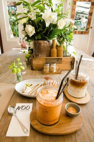 Thai Ice Tea, Iced Latte, and Banoffee Cake
