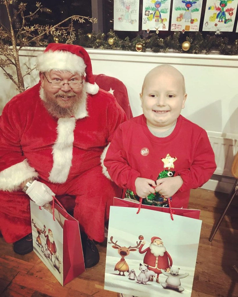 godberstravel, #Donate4Bilbo, Bilbo, childhoodcancer, cancer, leukemia, CLICSargent, giveblood, gofundme, bilbosjourney, our new normal, Christmas 2018, Santa, selfie