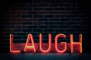 hvad er forskellen på jokes