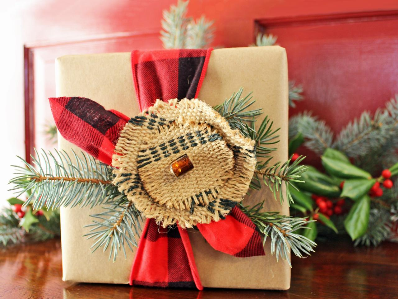 WRAP UR LOVED ONES GIFTS WITH BEAUTIFUL GIFT PACKING