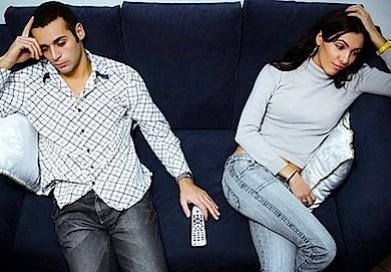 bored_couple430x300.jpg