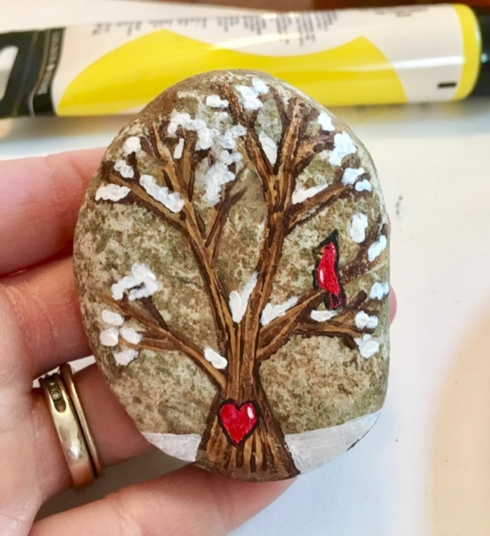 Beautiful christmas rock painting ideas (19)