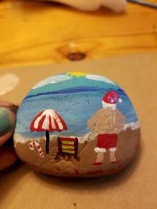 Beautiful christmas rock painting ideas (35)