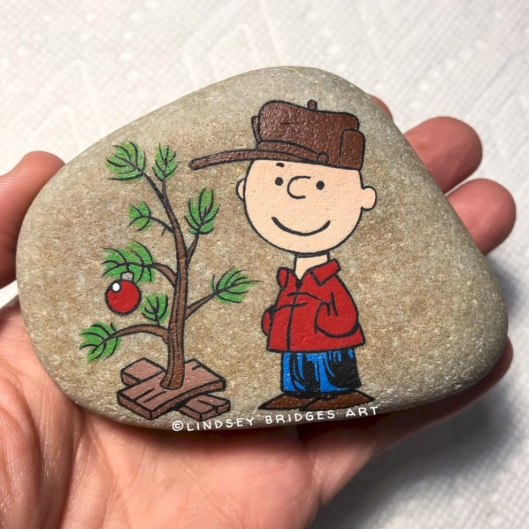 Beautiful christmas rock painting ideas (37)