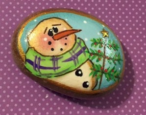 Beautiful christmas rock painting ideas (5)
