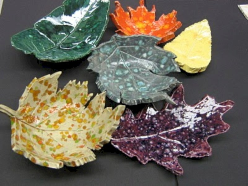 Creative diy dishes made from clay leaves 01