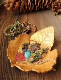 Creative diy dishes made from clay leaves 19