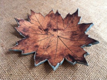 Creative diy dishes made from clay leaves 22