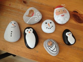 Diy cristmas painted rock design 11