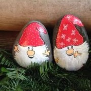Diy cristmas painted rock design 43