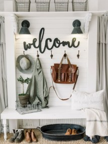 Diy farmhouse entryway inspiration 04