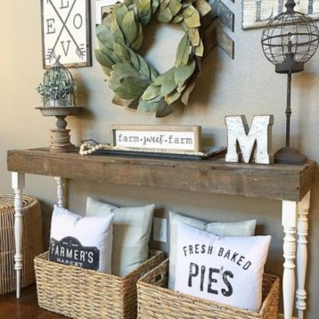 Diy farmhouse entryway inspiration 23