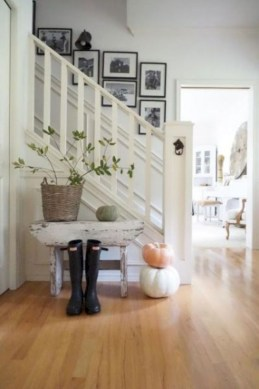 Diy farmhouse entryway inspiration 35