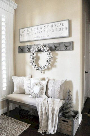 Diy farmhouse entryway inspiration 37