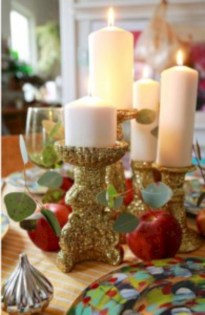 Ideas to decorate your space with candles for christmas 20