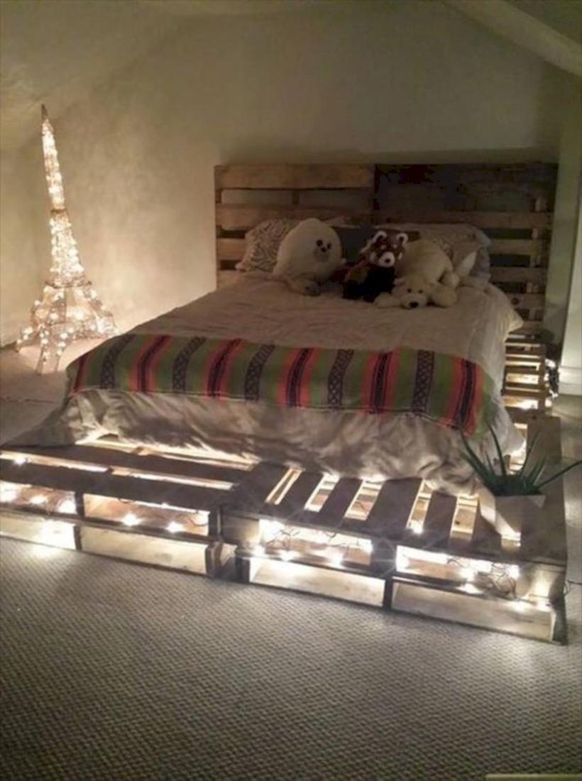 15 Unique Diy Pallet Bed Frame Ideas Godiygo Com