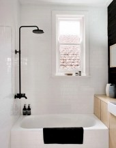 Small bathroom with bathtub ideas 12