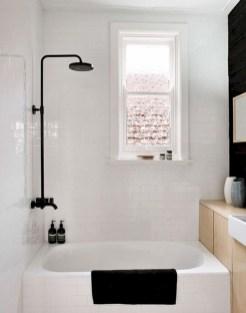 Small bathroom with bathtub ideas 12