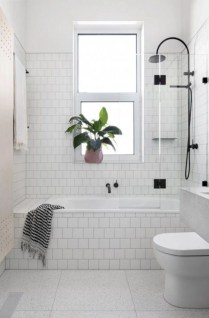 Small bathroom with bathtub ideas 30