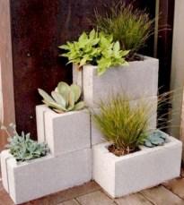 Ways to decorate your garden using cinder blocks 19