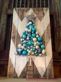 Ways to make your own christmas tree from pallet wood 18