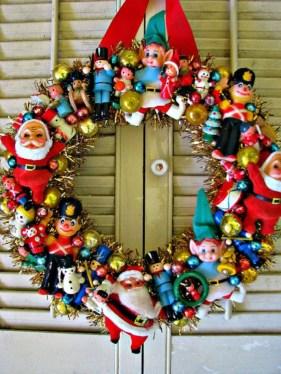 Adorable indoor animated christmas figures 17