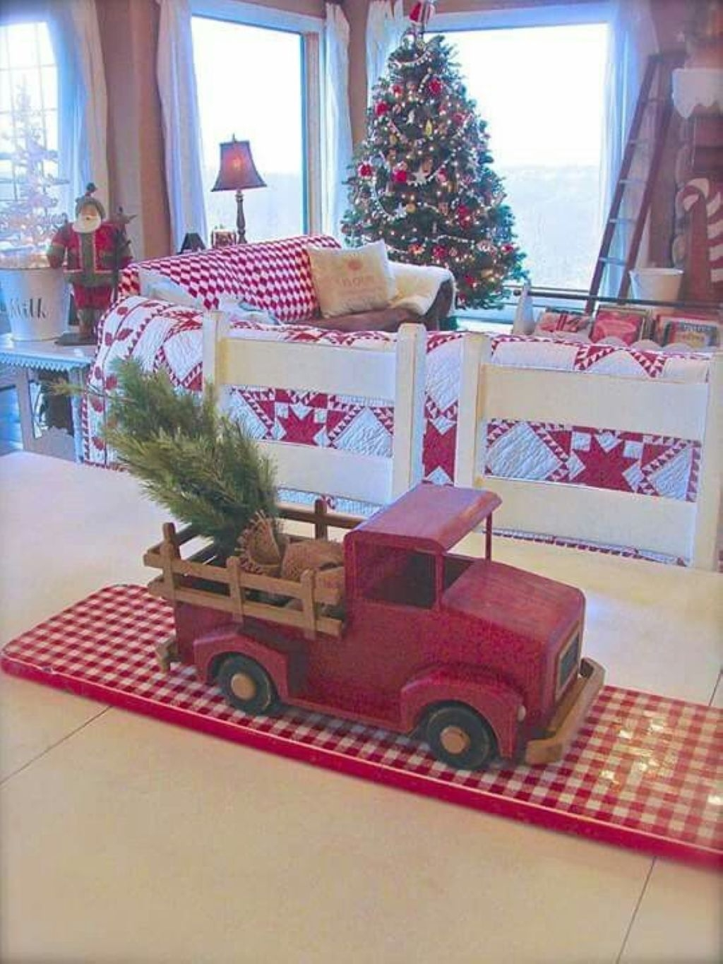 Creative bedroom christmas decorating for your boy