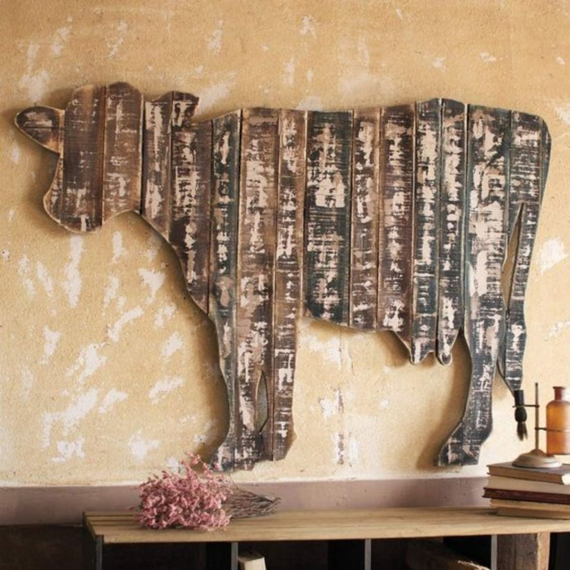Reclaimed wood cow wall hanging