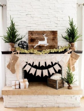 Ways to decorate fireplace for christmas 15