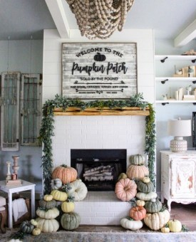 Ways to decorate fireplace for christmas 24