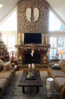 Ways to decorate fireplace for christmas 26
