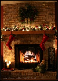 Ways to decorate fireplace for christmas 27