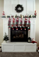 Ways to decorate fireplace for christmas 30