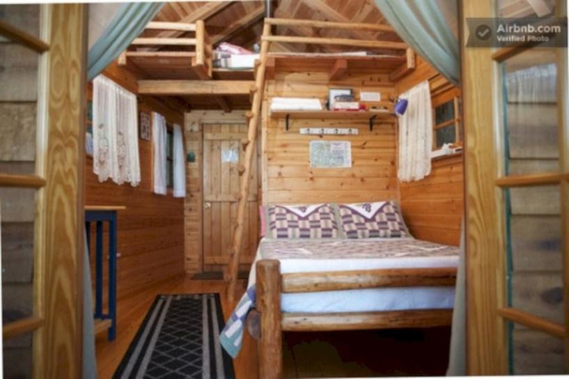 Creative log cabin themed bedroom for kids 11