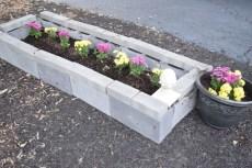 Easy to make diy raised garden beds ideas 19
