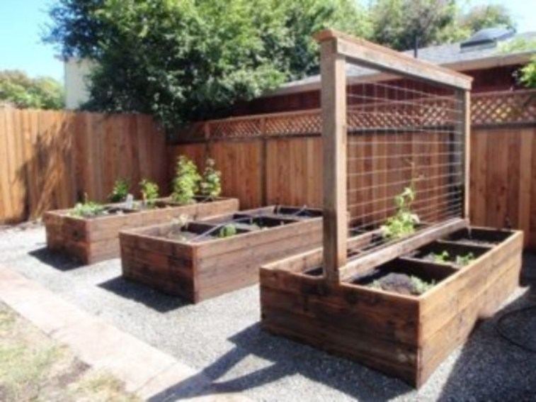 Easy to make diy raised garden beds ideas 32