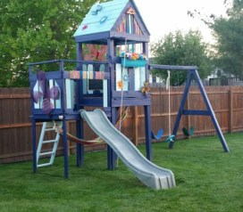 Fabulous backyard playhouse to delight your kids 33