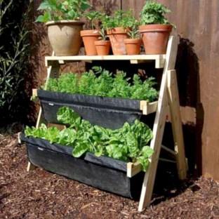 Gorgeous diy ladder-style herb garden 03