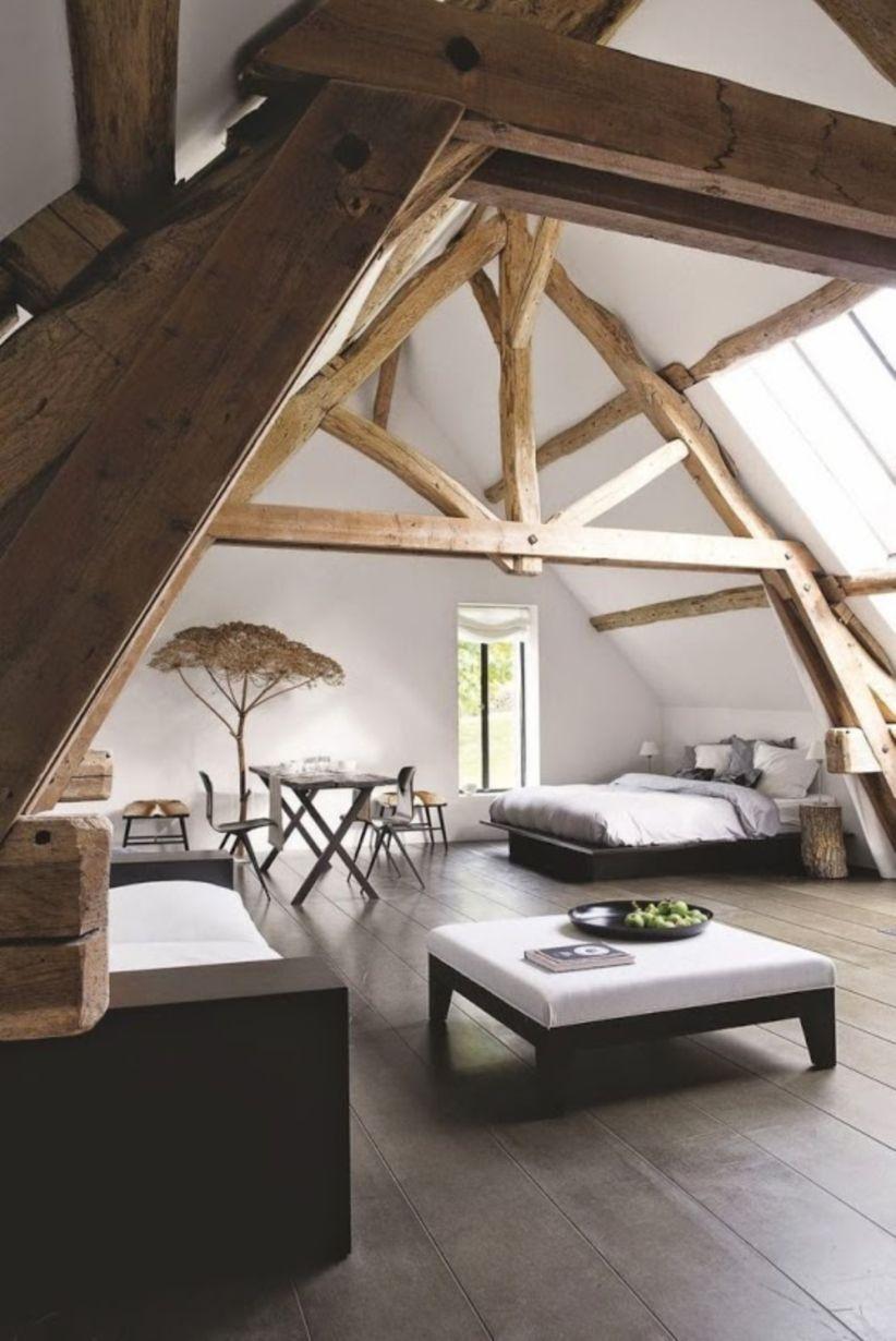 59 Vintage Attic Bedroom With Wall Of Skylights Godiygo Com