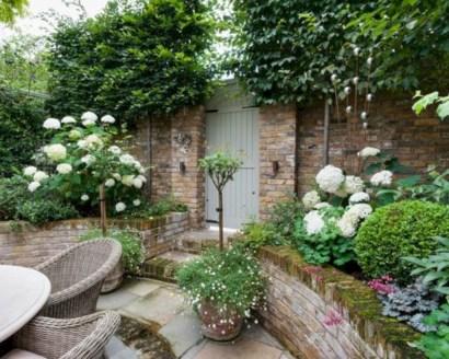 Beautiful courtyard garden design ideas 13